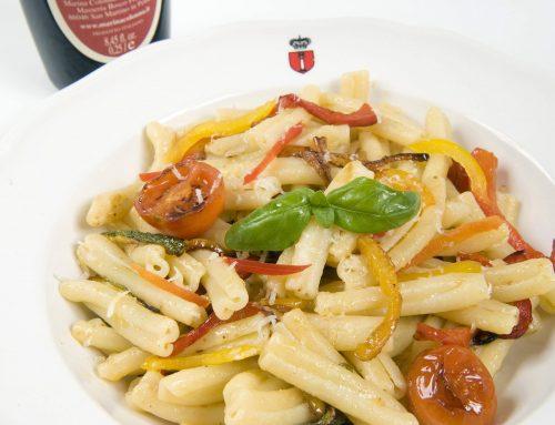 Pasta corta con verdure all'olio Peperoncino